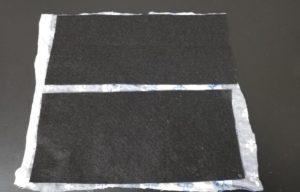 吹き返しも同様に、フェルトにボンドを縫って和布に貼る写真
