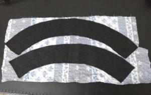 錏も同様に、フェルトにボンドを縫って和布に貼る写真